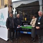 Da sinistra: Giampaolo Dal Lago e Franco Pedrotti, rispettivamente Direttore Sviluppo Rete e Direttore Vendite e Prodotto Bus di MAN Truck & Bus Italia; Elena Colombo e Angelo Costa, Amministratori delegati di KM Spa e Arriva Italia Srl.
