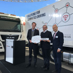 Da sinistra: Frederik Zohm, membro del Management Board for Research and Development MAN Truck & Bus AG; Ewald Kaiser, Chief Operating Officer DB Schenker e Christian T. Haas, Vice Dean Research di Hochschule Fresenius.