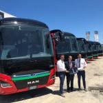 Da sinistra: Giuseppe Orlando, Area Manager Bus privato; Vincenzo Graffagnini Presidente di SAIS Autolinee; Gerhard Mayrl Responsabile vendite Bus privato