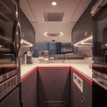 L'esclusiva cucina nella parte posteriore del veicolo può soddisfare ogni esigenza.