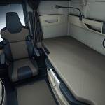 The Vario passenger seat in the new MAN TG series can be turned inwards.Der Beifahrersitz Vario in der neuen MAN TG-Baureihe kann nach innen gedreht werden.